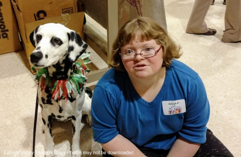 2016.easterseals.HolidayParty.Roxie_.KaleighAmidon